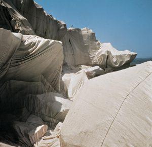 Christo and Jeanne-Claude Wrapped Coast , One Million Square Feet (1968-69), Little Bay, Sydney, Australia, Photo: Harry Shunk © 1969 Christo