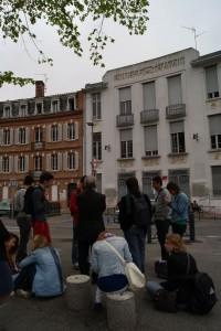 Lucas, Audrey y Ilias presentan la presencia anarquista en Toulouse.